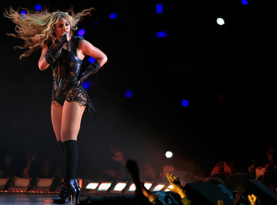 http://assets.thehollywoodgossip.com/photos/full/beyonce-halftime-show-photo.jpg