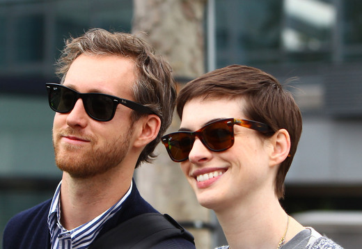 Anne Hathaway, Adam Shulman