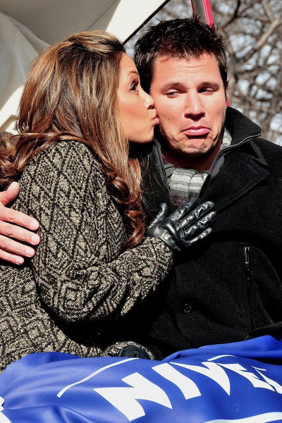 vanessa kisses nick photo …a lawyer for Nick Lachey and Vanessa Minnillo ...